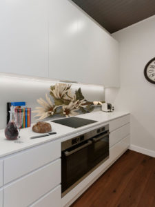 panelszklany kuchnia suszone kwiaty