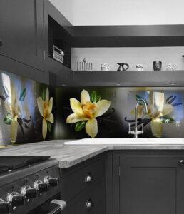panel szklany do kuchni kwiaty 2