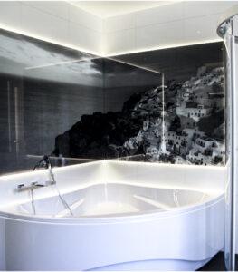 panel szklany łazienka miasto